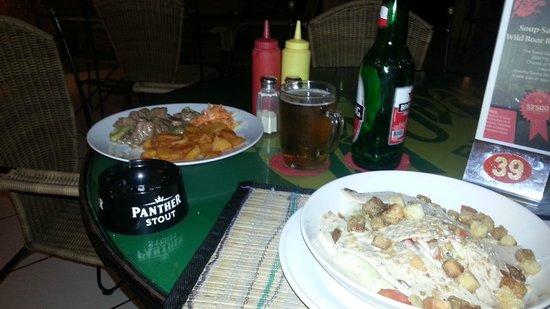 Ya Udah Bistro : food