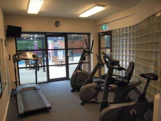Holiday Inn Melbourne on Flinders: gym