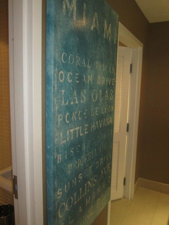 Blue Moon Hotel, Autograph Collection: Bathroom in lobby