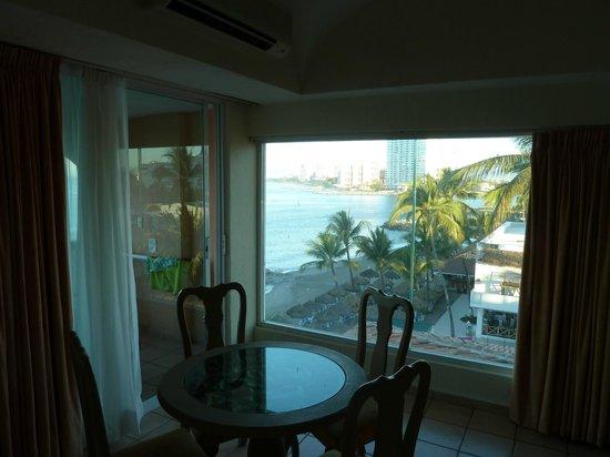Crown Paradise Golden Resort Puerto Vallarta: room