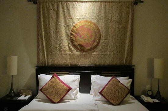 The Phoenix Hotel Yogyakarta - MGallery Collection : Bedroom