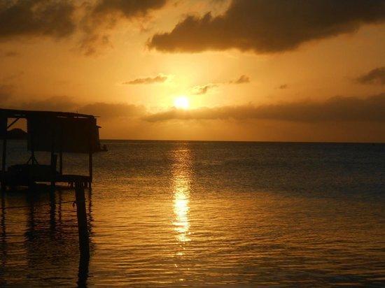 PAUSE Hostel: Best sunset in The Caribbean