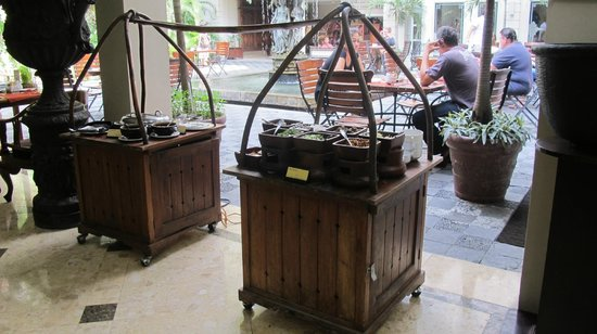 The Phoenix Hotel Yogyakarta - MGallery Collection: Breakfast