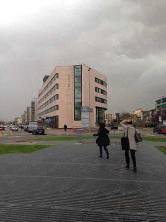 AC Hotel Firenze: ホテル