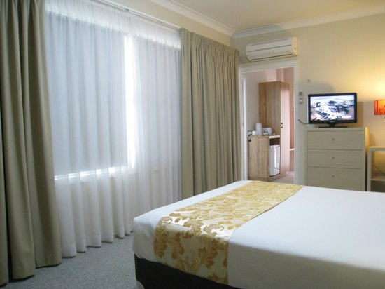 Country Lodge Motor Inn: Executive room