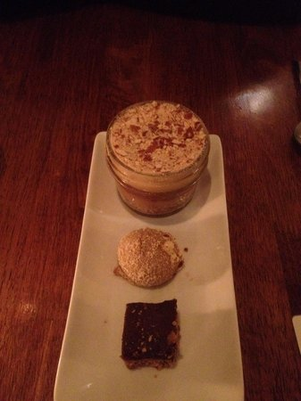 Vedge : Peanut and chocolate dessert