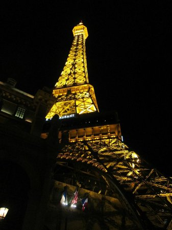 Eiffel Tower Experience at Paris Las Vegas : Eiffel tower replica at night at the Paris hotel