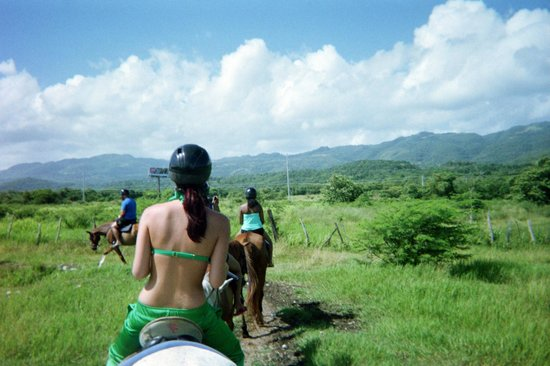 Couples Tower Isle: horse back riding!