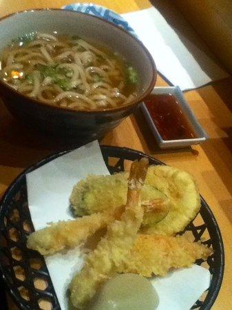 Sachi Sushi: Udon noodle soup with tempura
