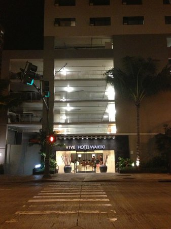 Vive Hotel Waikiki : Great location!