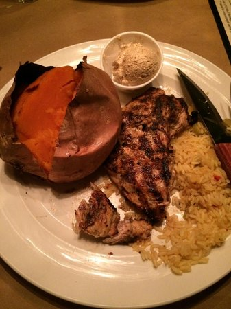 The Original Brown Derby Roadhouse: Seasoned chicken breast and sweet potato - yum!!!