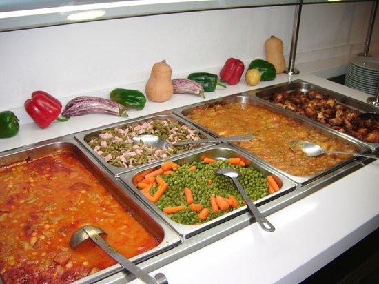 Hotel Alameda : comida almediodia