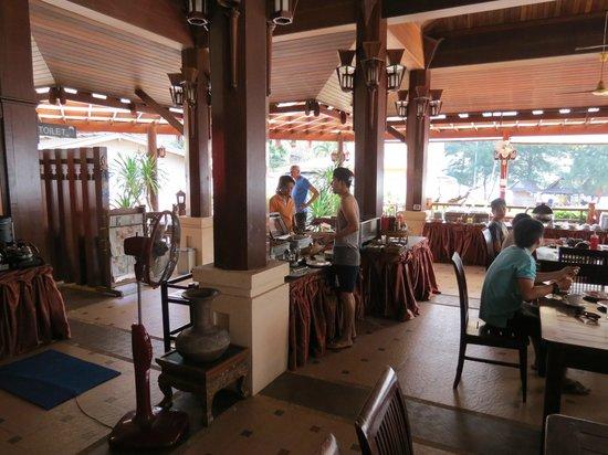 Baan Grood Arcadia Resort & Spa: The breakfast smorg had good choice and was well prepared.