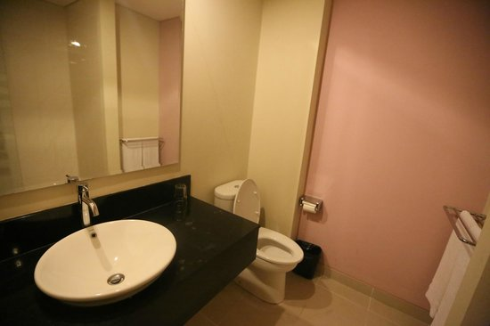 Laprima Hotel - Labuan Bajo, Flores, Indonesia - The Travel Glow - bathroom