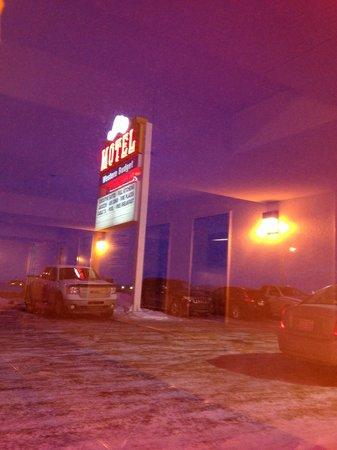 Western Budget Motel Grande Prairie # 2 : Outside