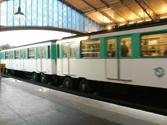 Au Dernier Métro : Paris Metro