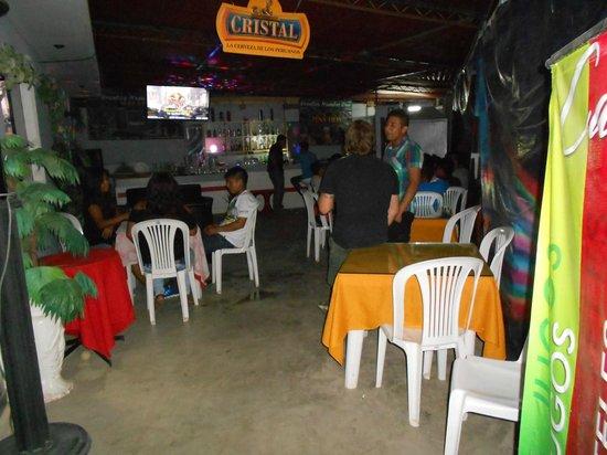 Catarsis Karaoke Bar & Lounge: PATIO DE BAILE