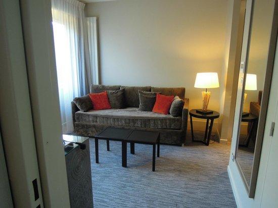 Sofitel Quiberon Thalassa Sea & Spa : salon junior suite