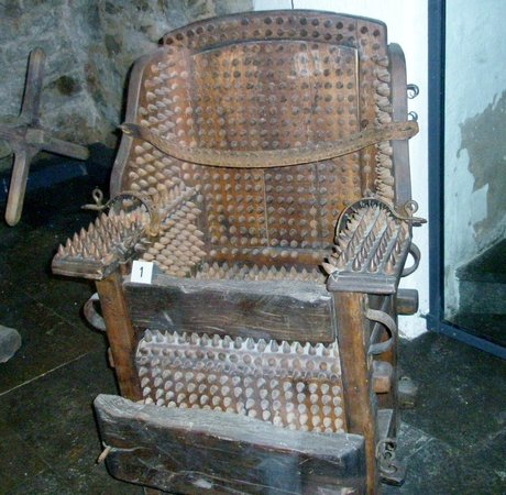 Medieval Crime Museum (Mittelalterliches Kriminalmuseum): comfy chair