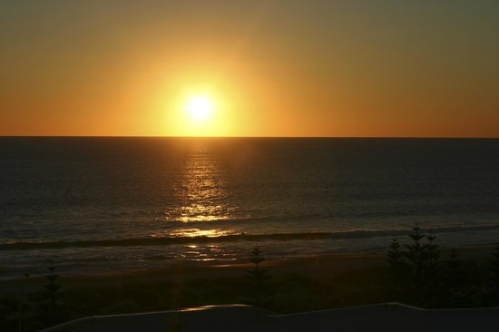 Observation Rise : Sunset over Scarborough Beach