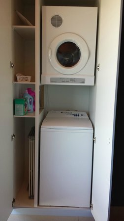 Dolphin Point B&B: Laundry - Washer, Dryer, with washing supplies and airer