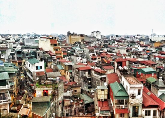 Hanoi Tirant Hotel : View from the roof deck restaurant.