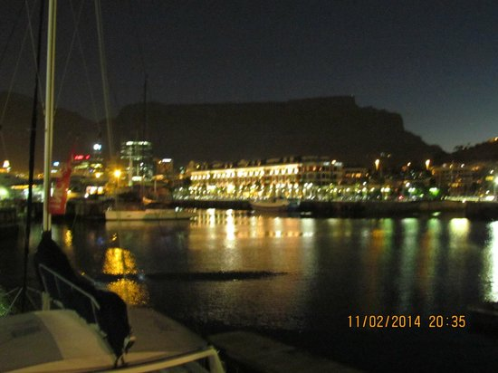 Den Anker: Late afternoon Sunset Over Table Mountain From De Anker