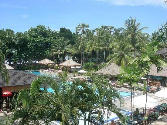 Sejuk Suites: Resort view