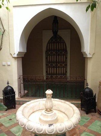 Riad El Youssoufi : Plunge Pool