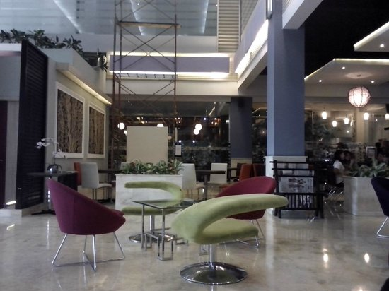 Favehotel Premier Cihampelas: Lobby Hotel