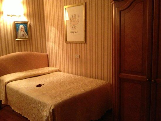 Eliseo Hotel : номер сингл