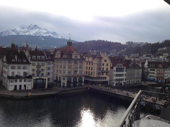 Hotel des Balances: номер с видом на реку (фото снято с балкона)