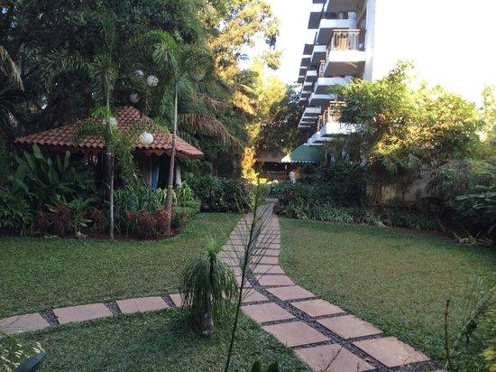 Tangerine Resort: Garden lobby