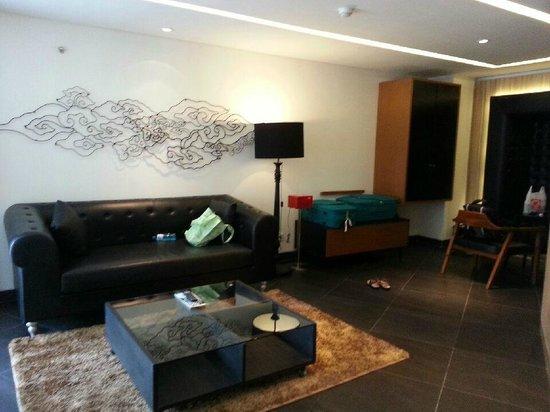 Fontana Hotel Bali: Lounge area in suite