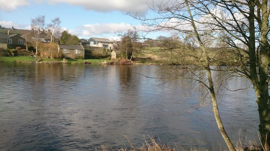Battlesteads Hotel: View over the river in Wark