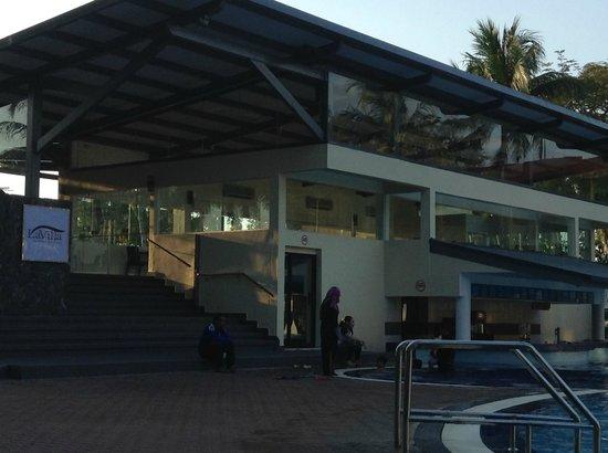 Holiday Villa Beach Resort & Spa Langkawi: La Villa Pool