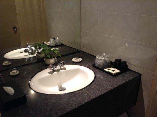 Holiday Villa Beach Resort & Spa Langkawi: Bathroom