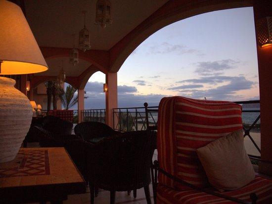 Gran Hotel Atlantis Bahia Real: Bar Terrace