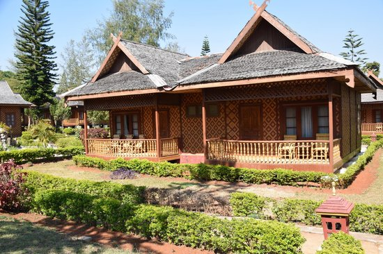 Conqueror Resort : view of the bungalow style rooms