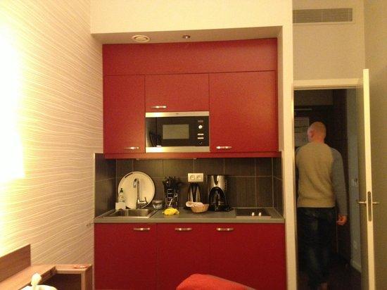 Adagio Brussels Centre Monnaie : angolo cottura