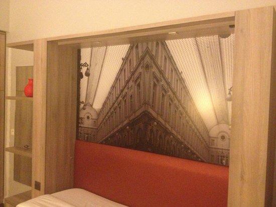 Adagio Brussels Grand Place: quadro dietro al divano-letto