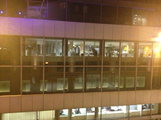 Adagio Brussels Centre Monnaie: la finestra di fronte!!
