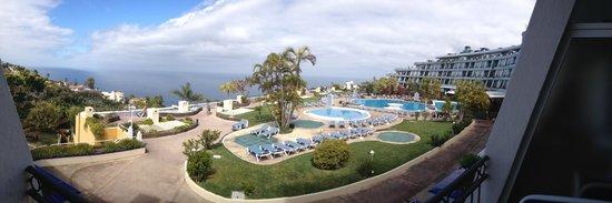 La Quinta Park Suites: Panorámica desde la habitación de la piscina, el mara y Orotava y Pto. la Cruz.