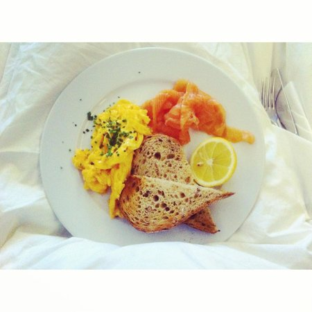 The Hoxton, Shoreditch : Breakfast in bed, Smoked salmon & scrambled egg