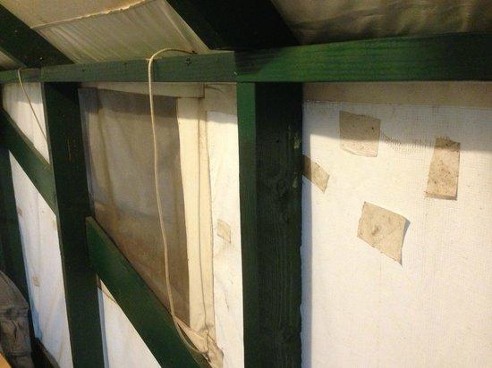 Half Dome Village : Tente rafistolé et sale