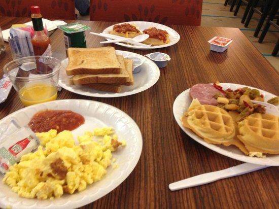 Residence Inn Atlanta Buckhead/Lenox Park: The Breakfast spread