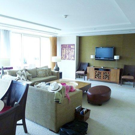 Raffles Dubai: Main area in our suite