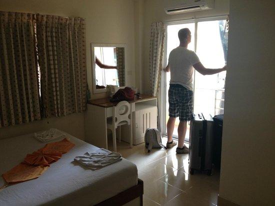 Sunmar Inn Patong: Room