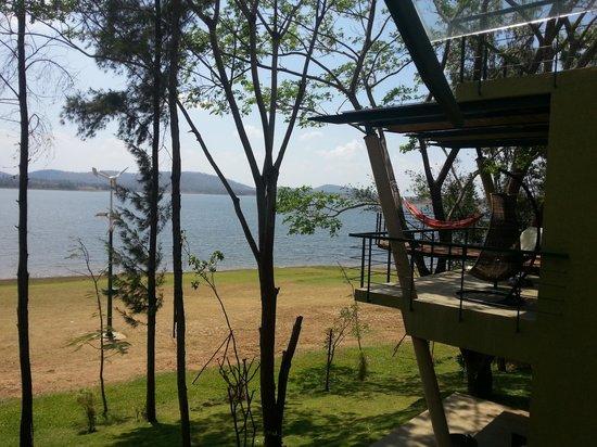 Waterwoods Lodge Kabini: River facing balcony