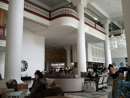 Pullman Cairns International: Lobby